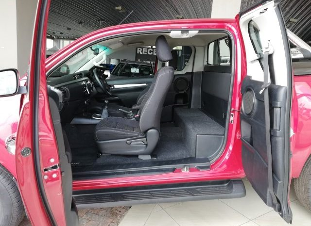 2017 Toyota HiLux 2.8 GD-6 Raider 4X4 Extended Cab full